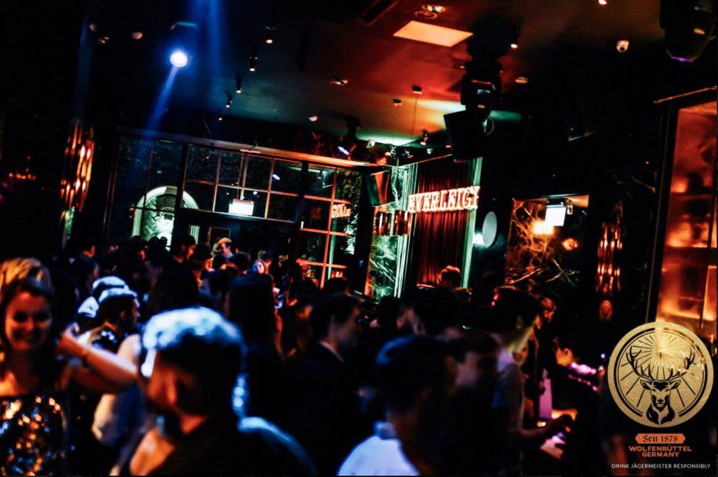 People dancing at Everleigh Garden Nightclub Dublin - Adults Ireland